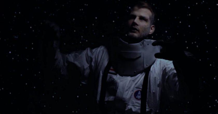 Audiopoéta - Bolyongunk az űrben