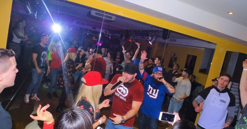 Killakikitt Tirpa Aza München Seven Bistro Bar Club koncert